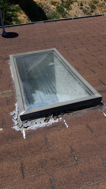 Denver Roofer - Skylight Repair | Roof Worx